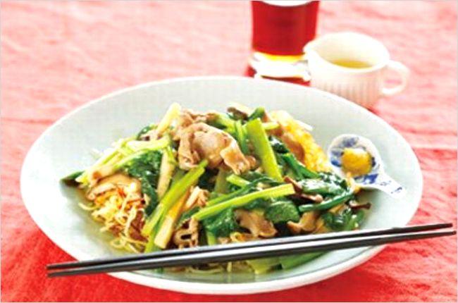 野菜たっぷり!栗原はるみの小松菜あんかけ焼きそばの作り方はこちら♩